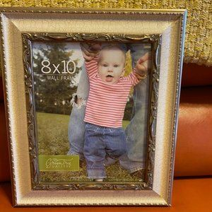 Beautiful NWT Wall Picture Frame 8 X 10